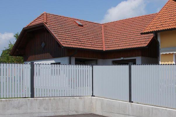 Latte Classic Sichtschutzfeld Rundkappen