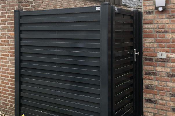 Listello Feld und Tür als Sichtschutz -