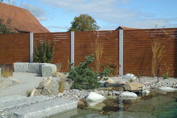 Sichtschutz Lattenfuellung Horizontal - in Holzdekor-Beschichtung