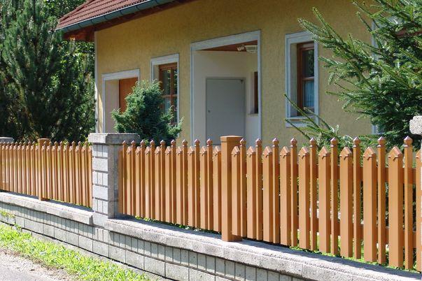Latte+Zwischenstab Zaun - Gerade Oberkante für Gartenzaun mit Latten Spitz- und Stab Sixtokappen.