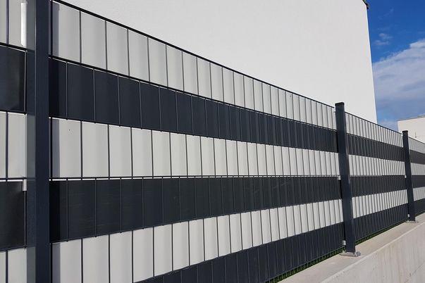 Draht-Gitter-Zaun mit Sichtschutzstreifen  - anthrazit und hellgrau
