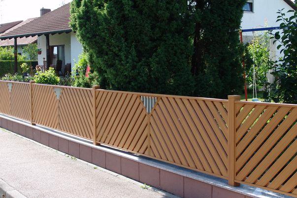 Zaun Latten-Füllung Diagonal - und Ornament Ypsilo mit Stäbe