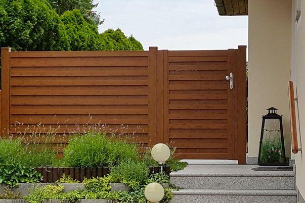 Listello Tür und Sichtschutzfeld