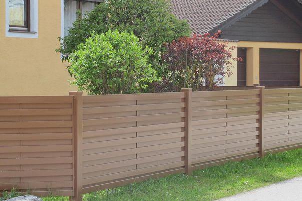 Listello Sichtschutz-Zaun - Zaunfelder und Steher in gleicher Farbe