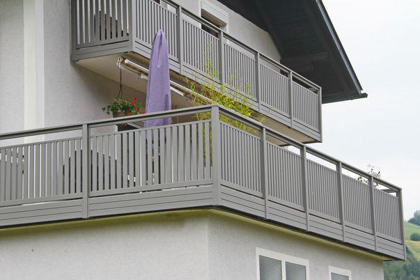 Latten-Füllung Geländer Vertikal mit Handlauf TopRail -