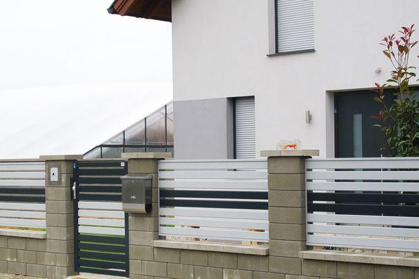 Zaun & Tor Latten-Füllung Horizontal - Einzelne Latten in Schmuckfarbe.