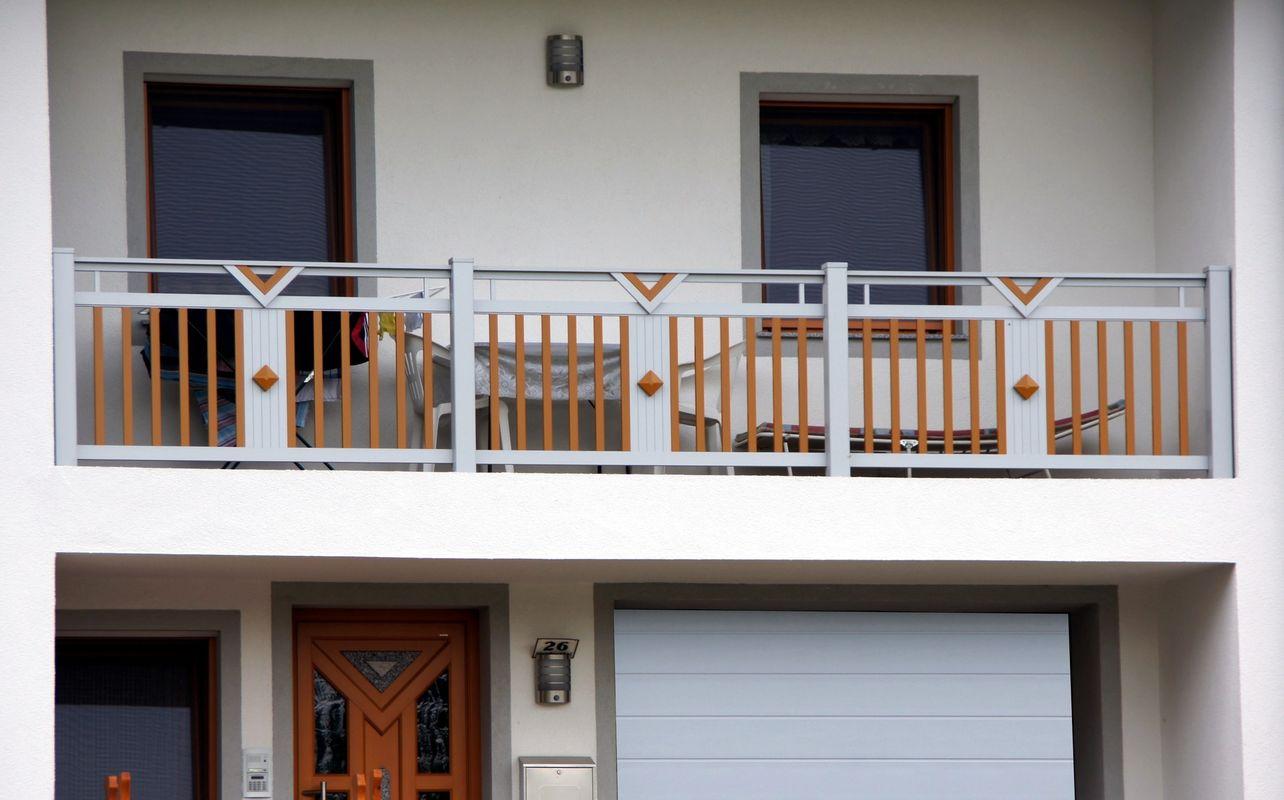 barreaudages garde corps balcons en alu. Black Bedroom Furniture Sets. Home Design Ideas