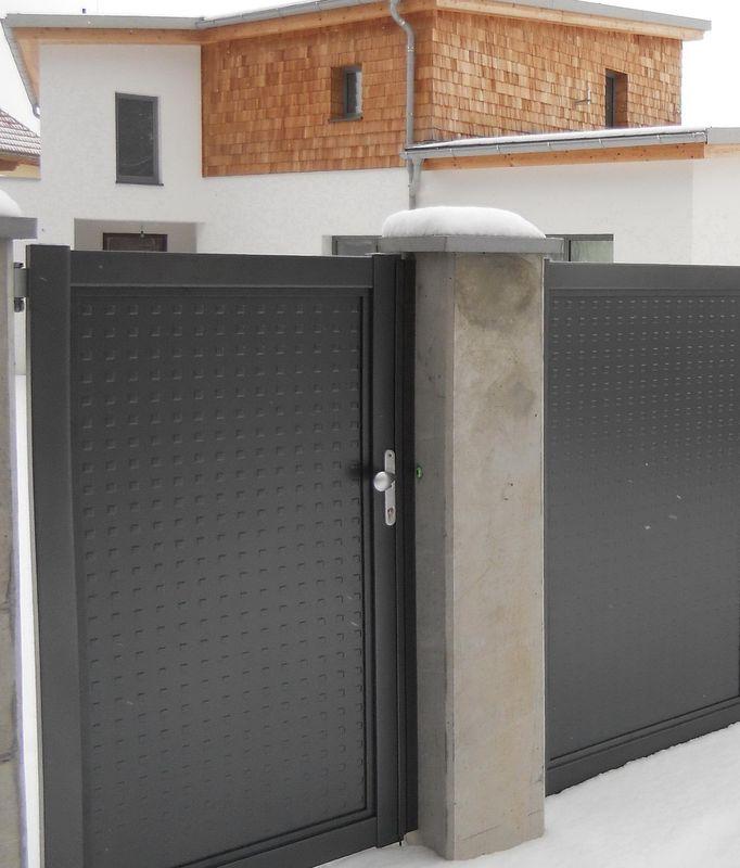 brix flat design alu zaun tor mit individuellen f llungen brix z une tore aus aluminium. Black Bedroom Furniture Sets. Home Design Ideas