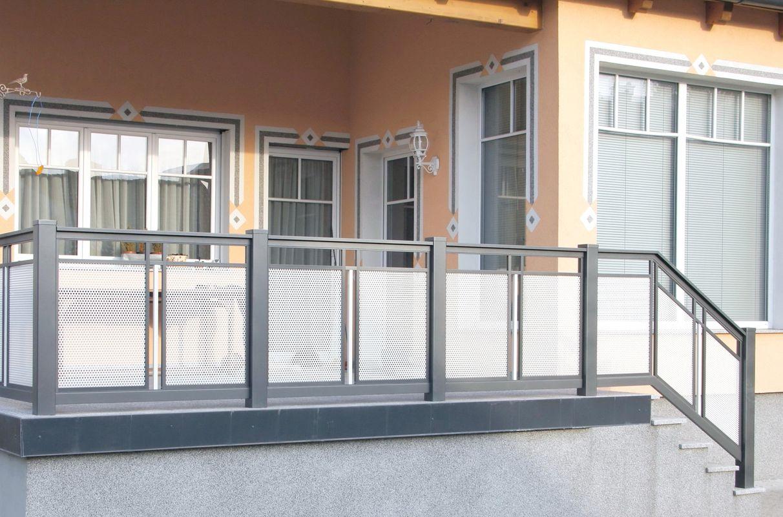 Decor perfor e garde corps balcons en alu - Habillage balcon ...