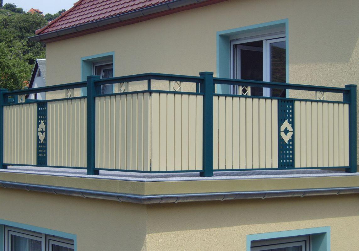 Remplissage lattes garde corps balcons en alu for Comgarde corps en bois pour balcon