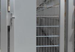 Zaunbau-Gehtür mit Gitter