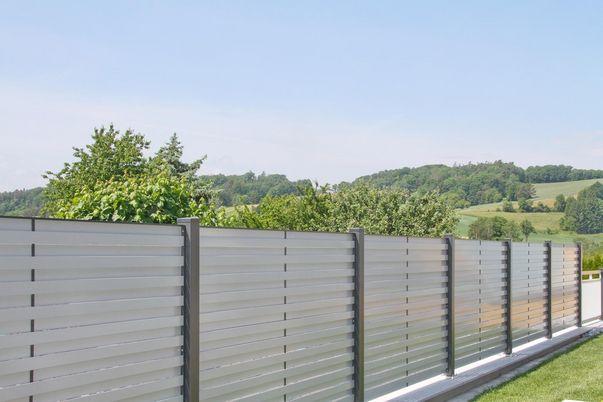 Listello Sichtschutz-Zaun - in 2 Standardfarben