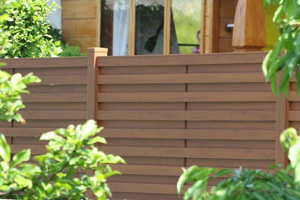 Sichtschutzfelder Listello  in Holzdekor -