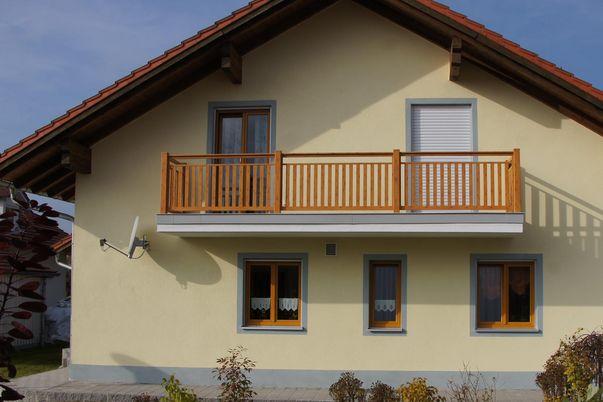 Decor 60 Geländer in Basic 0 - mit Freilaufendem Handlauf, in Holzdekor.